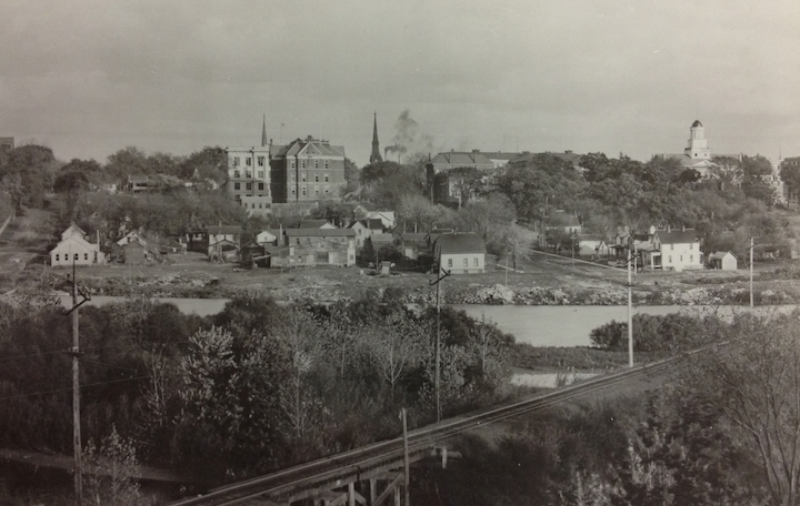 Photograph facing east toward the Old Capitol ca. 1913-15. Block 98 is the neighborhood on the far right. Courtesy the State Historical Society of Iowa.