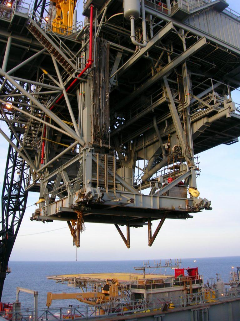 Derrick Structure Lift - Woody Woodward